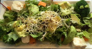 Niche superfood salad_opt