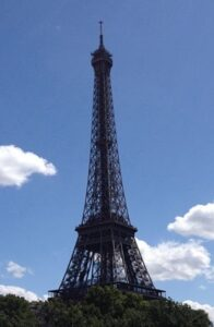 Paris Eiffel tower_opt