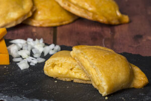 voakes-free-from-cheese-onion-pasty_opt